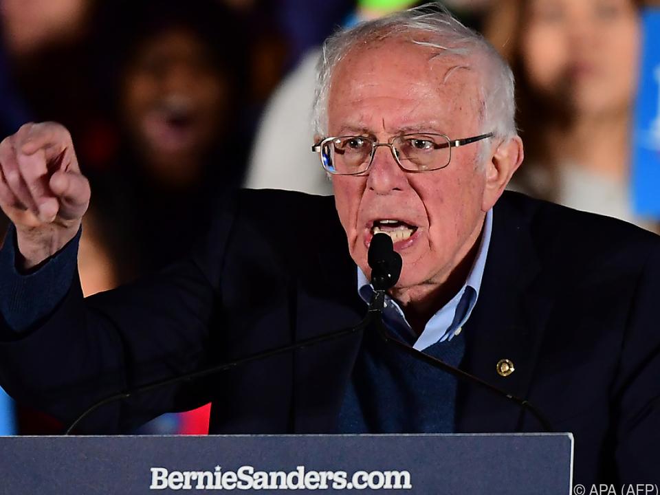Sanders liegt klar in Führung