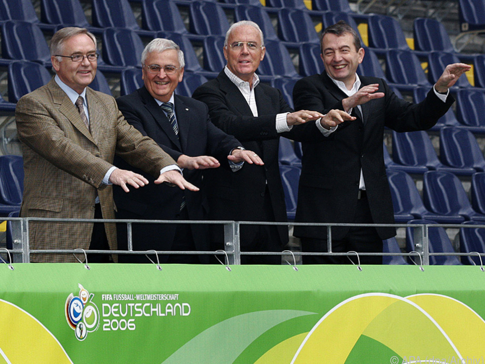 Schmidt, Zwanziger, Beckenbauer und Niersbach, 2005 noch gut gelaunt
