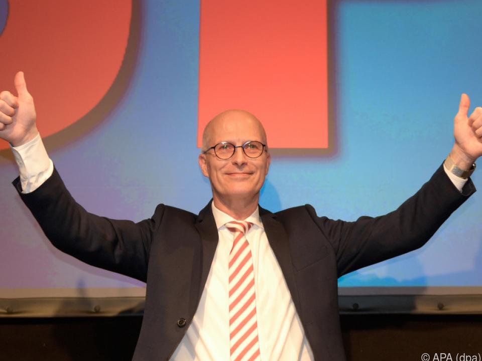 SPD-Spitzenmann Peter Tschentscher bleibt Bürgermeister