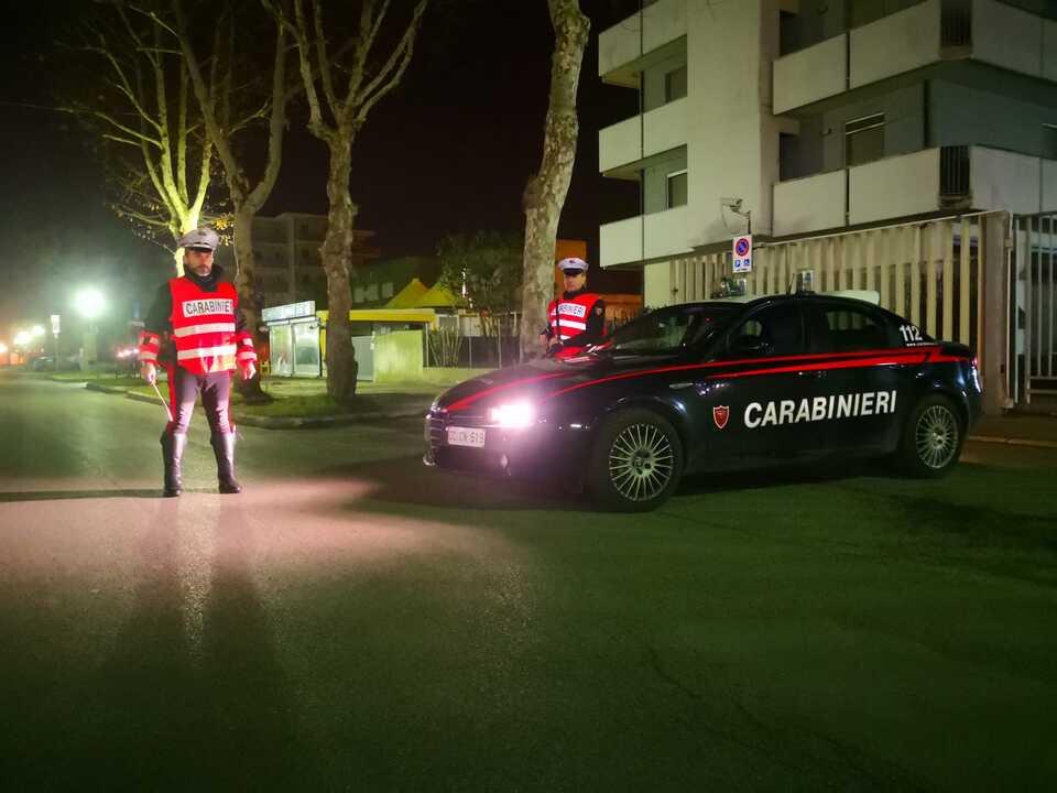 Carabinieri, Nacht, Kontrolle