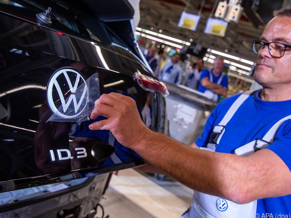 Auch VW steht wegen Coronavirus auf der Produktionsbremse
