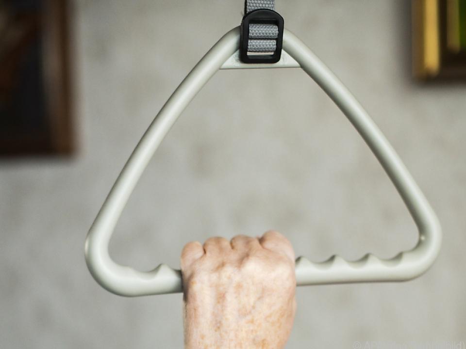 sym krankenhaus Betreuung pflegebedürftiger Menschen soll gesichert werden