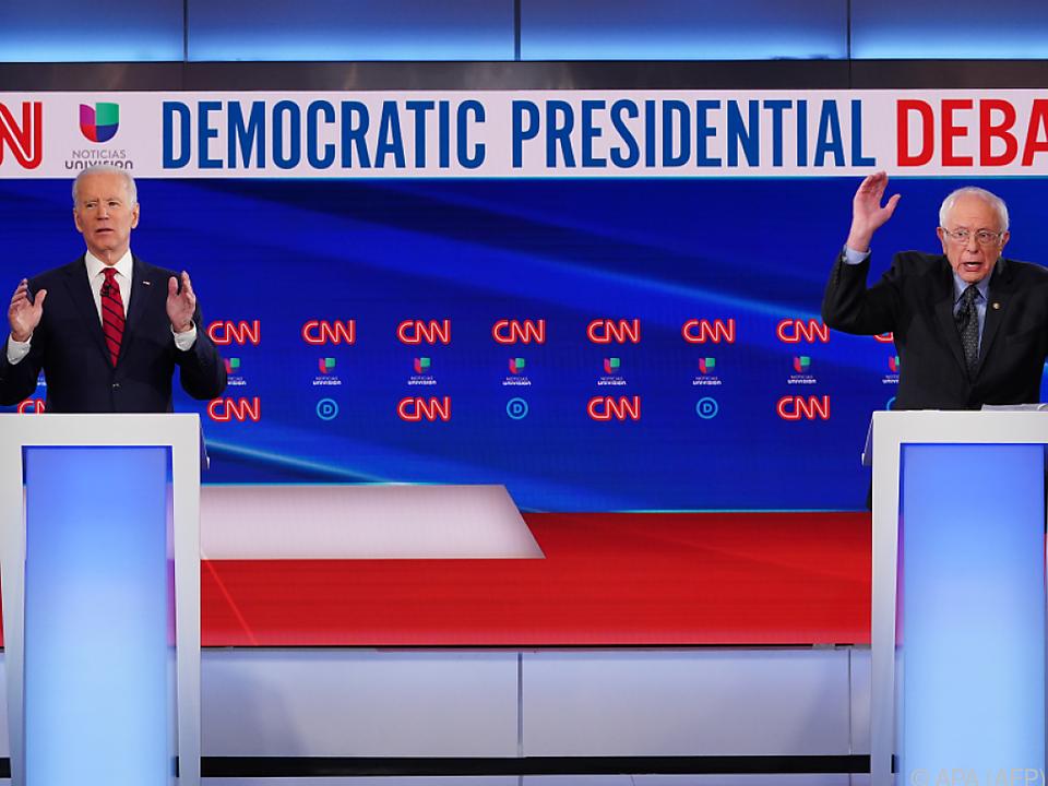 Biden und Sanders liefern sich einen Zweikampf um die Nominierung