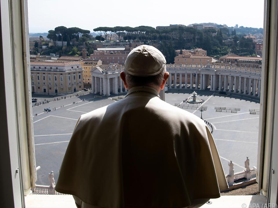 Urbi et Orbi: Papst spendet Segen: Wir sitzen alle im selben Boot