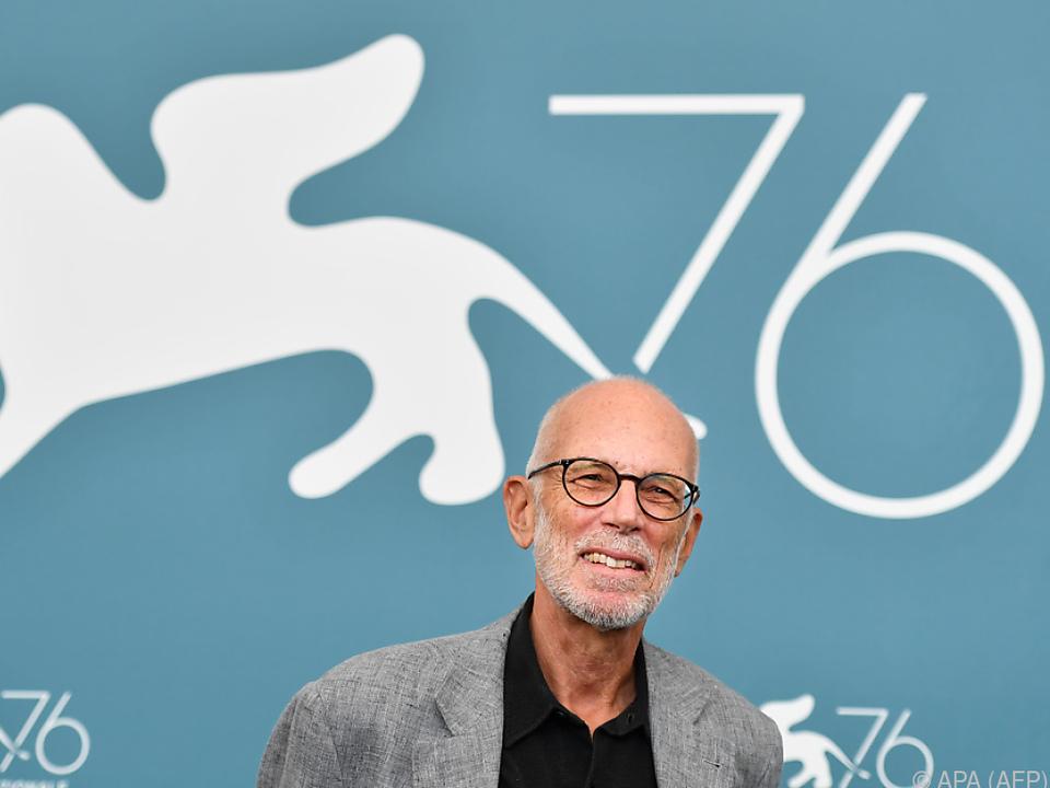 Der Mailänder Regisseur verbringt die Quarantäne in der Toskana
