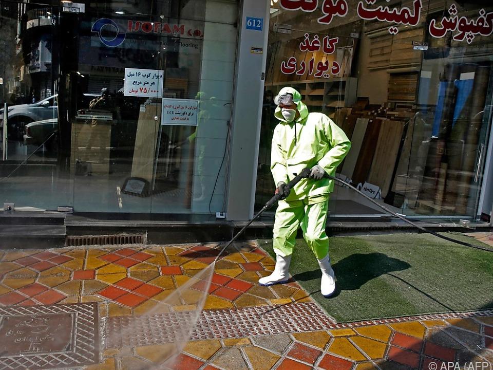 Desinfektionsmaßnahmen in Teheran