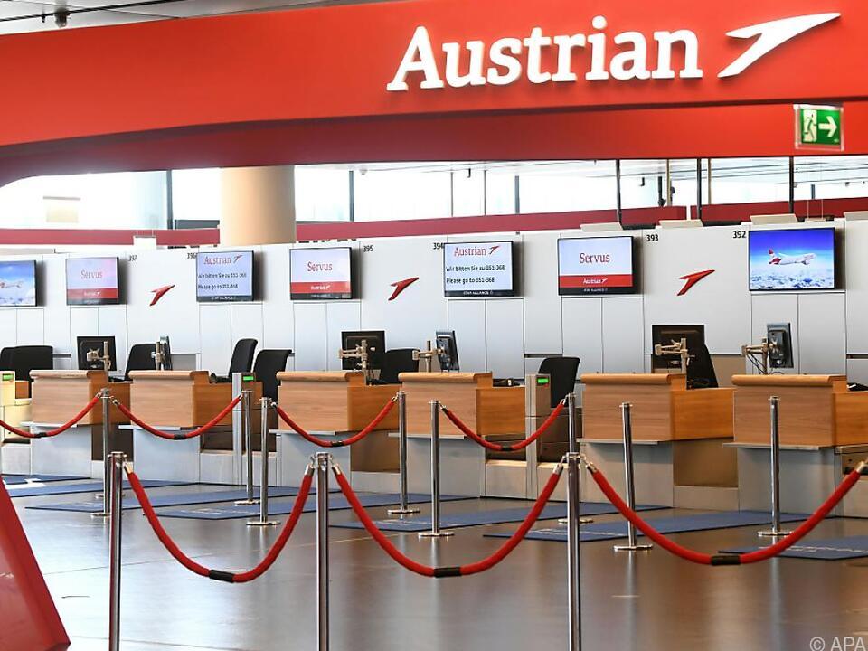 Die Austrian Airlines lassen alle Maschinen noch länger am Boden