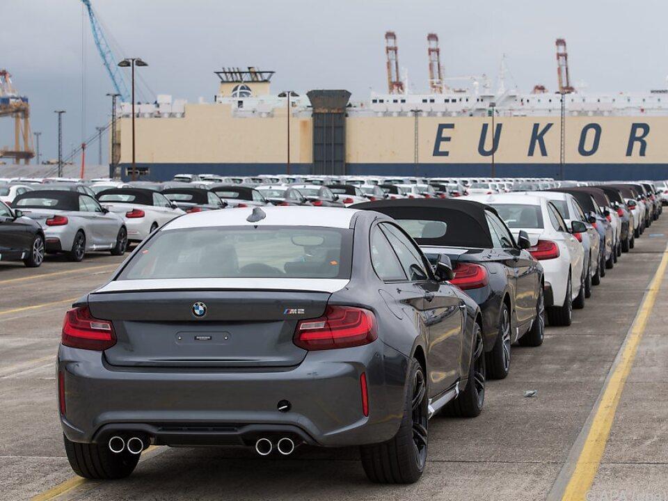 Die Autoproduktion und der -handel erleiden derzeit massive Einbrüche