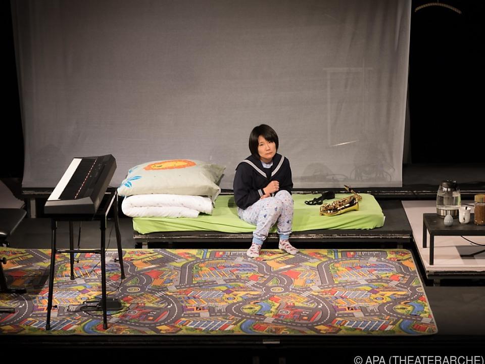 Die Sängerin Manami Okazaki während einer Probe