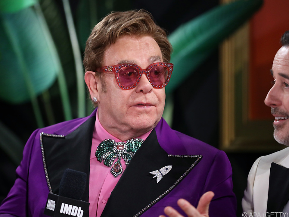 Elton John moderierte aus seiner Küche