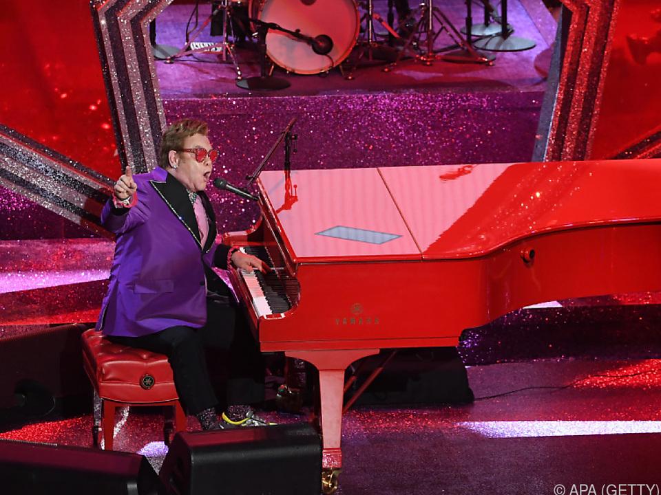 Elton John wird moderieren