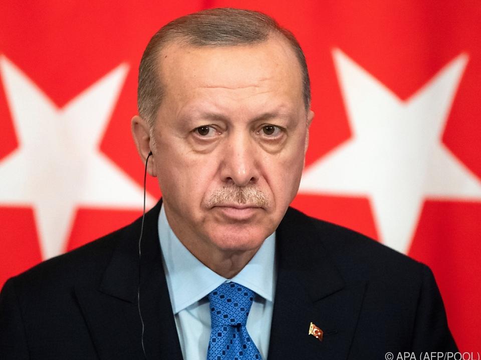 Erdogan empfängt Merkel und Macron in Istanbul