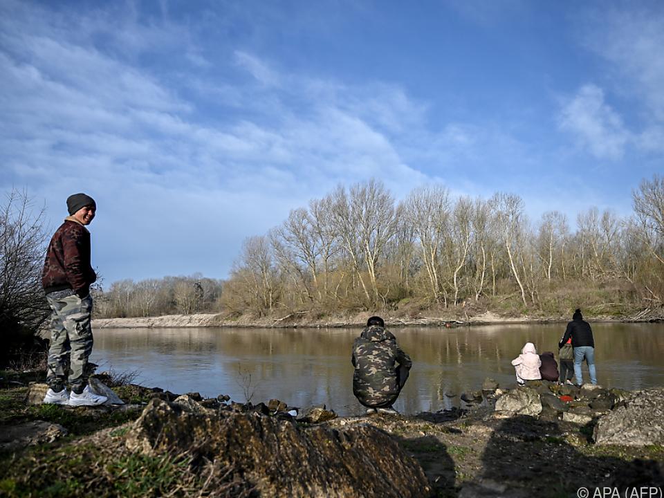 Flüchtlinge versuchen immer wieder, über den Fluss Evros zu kommen