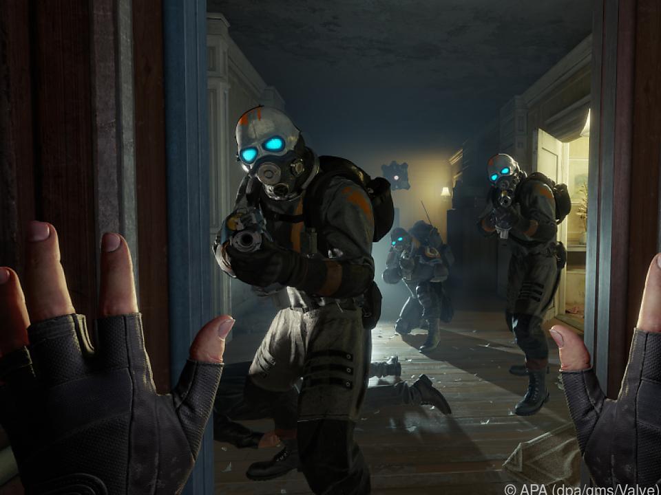 Spieler können in virtueller Realität ihre Hände über Controller einzeln steuern