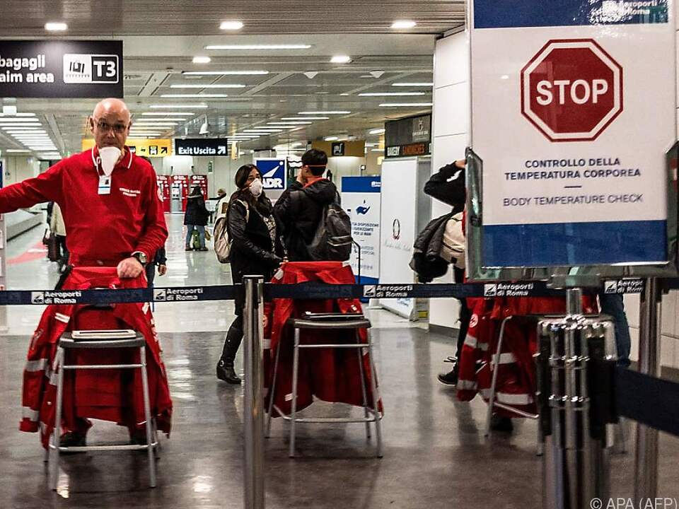Italiens Regierung verhängte ein Reiseverbot fü 15 Mio. Menschen