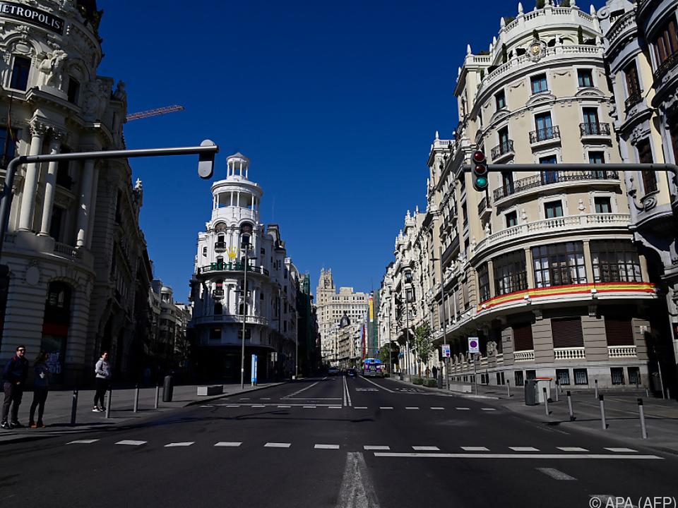Kurz zuvor war in Spanien der Notstand ausgerufen worden