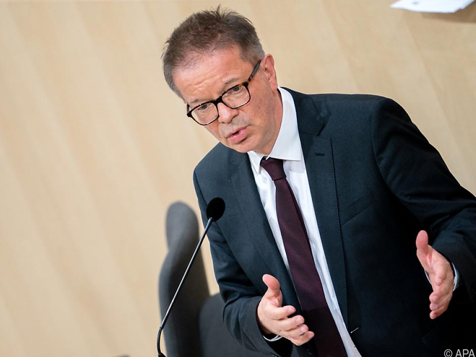 Laut Gesundheitsminister wird bei Testungen massiv zugelegt werden