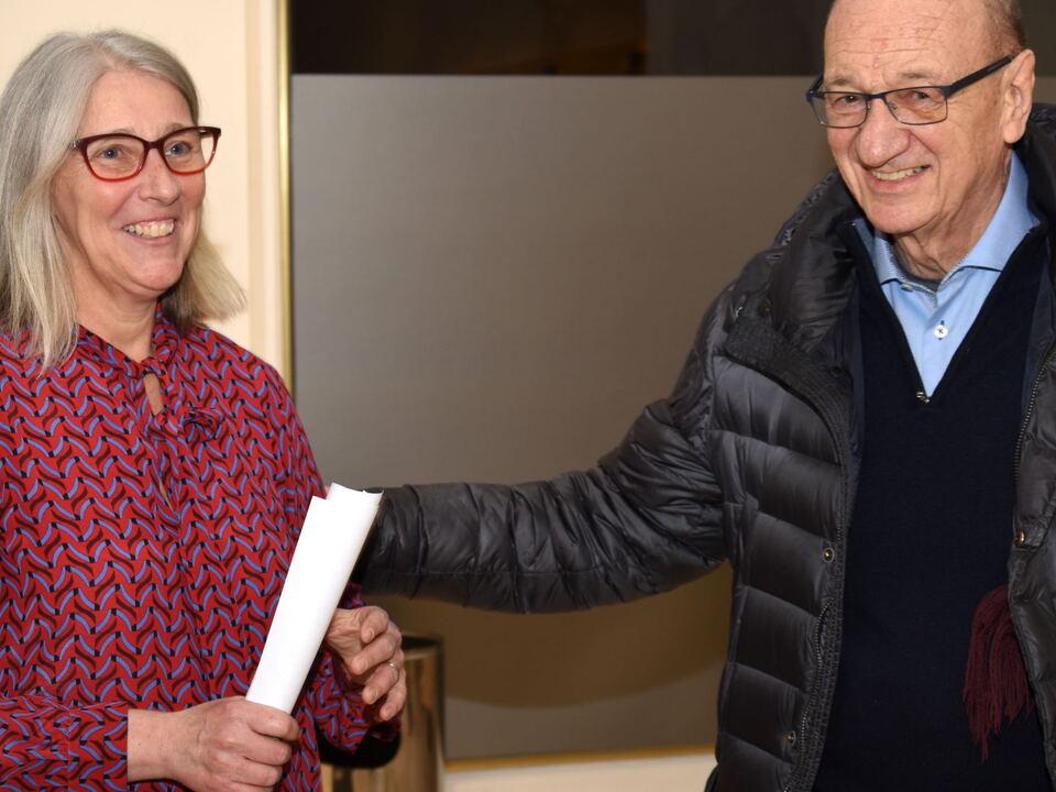 Leiterin des VinziMarltes Sabine Eccel und Direktor des Banco Alimentare Antonino Deola