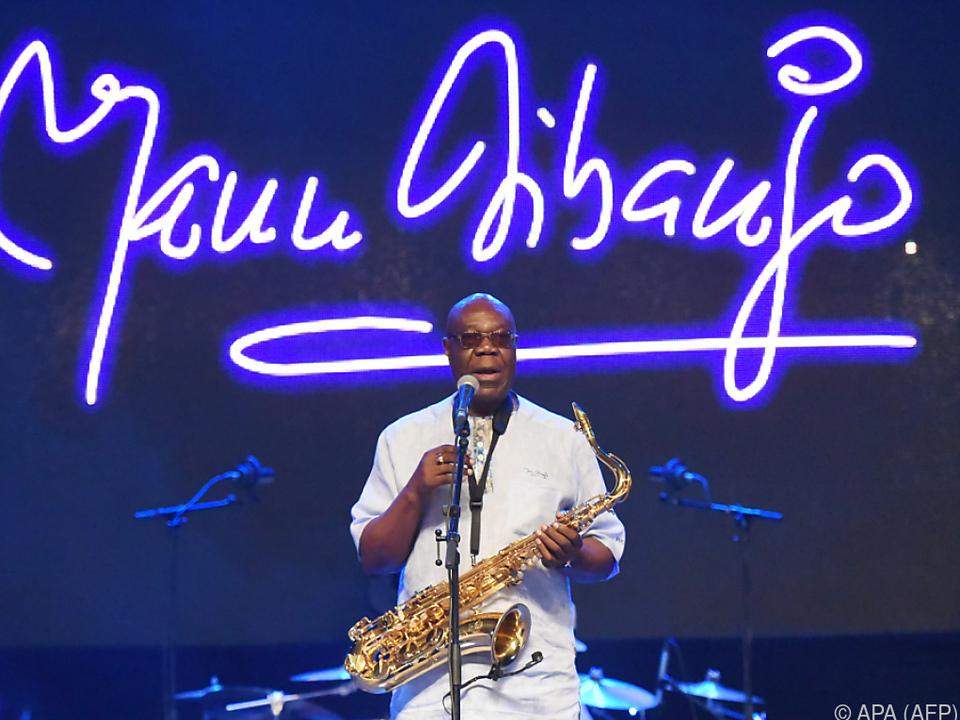 Erfinder des Makossa-Musikstils: Jazz-Saxophonist Manu Dibango nach Coronavirus-Infektion gestorben