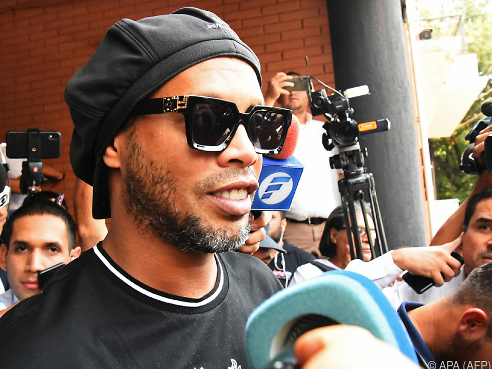 Ronaldinho kann sich im Moment nicht frei bewegen