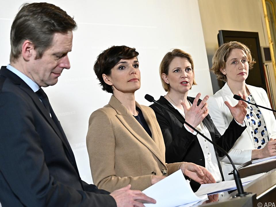 SPÖ und NEOS freuen sich über VfGH-Erkenntnis