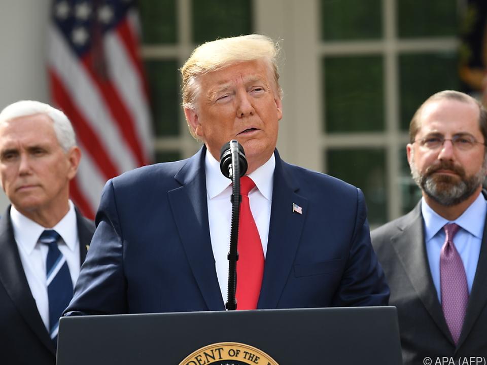 Trump hatte die Gefahr durch das Virus lange kleingeredet