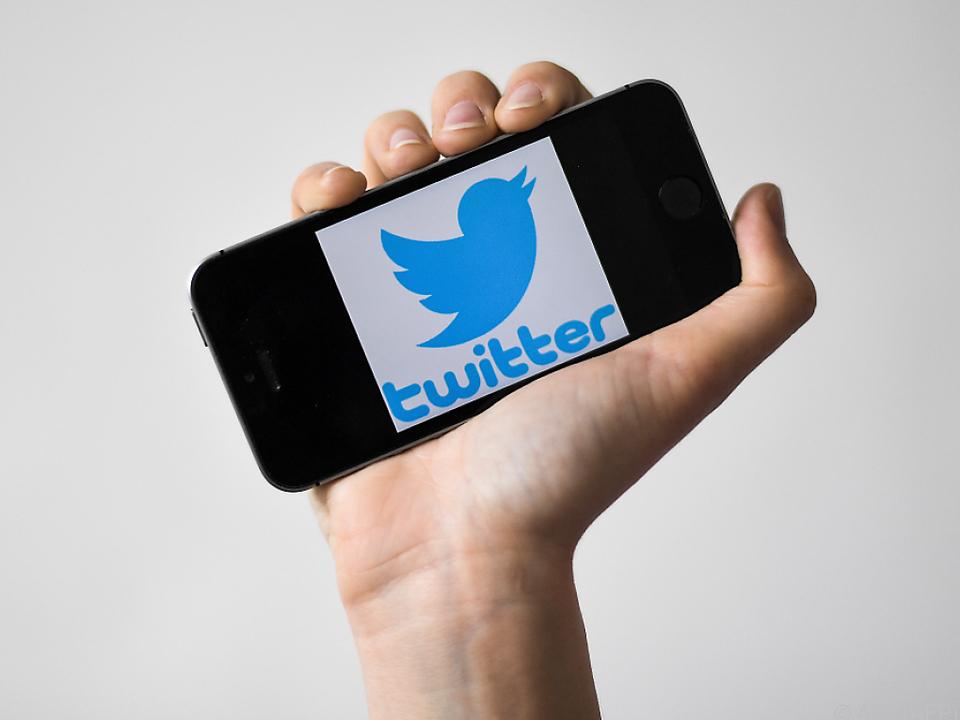 Twitter will womöglich dem Beispiel von Snapchat und Facebook folgen