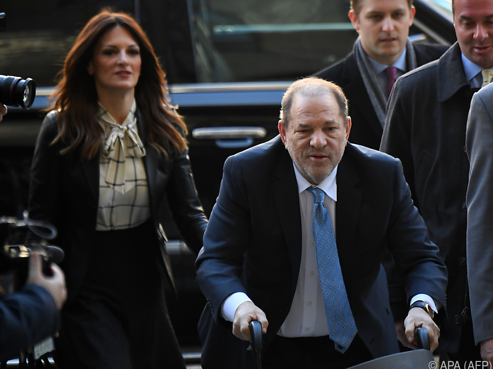 Weinstein ist seit der Urteilsverkündung in Haft