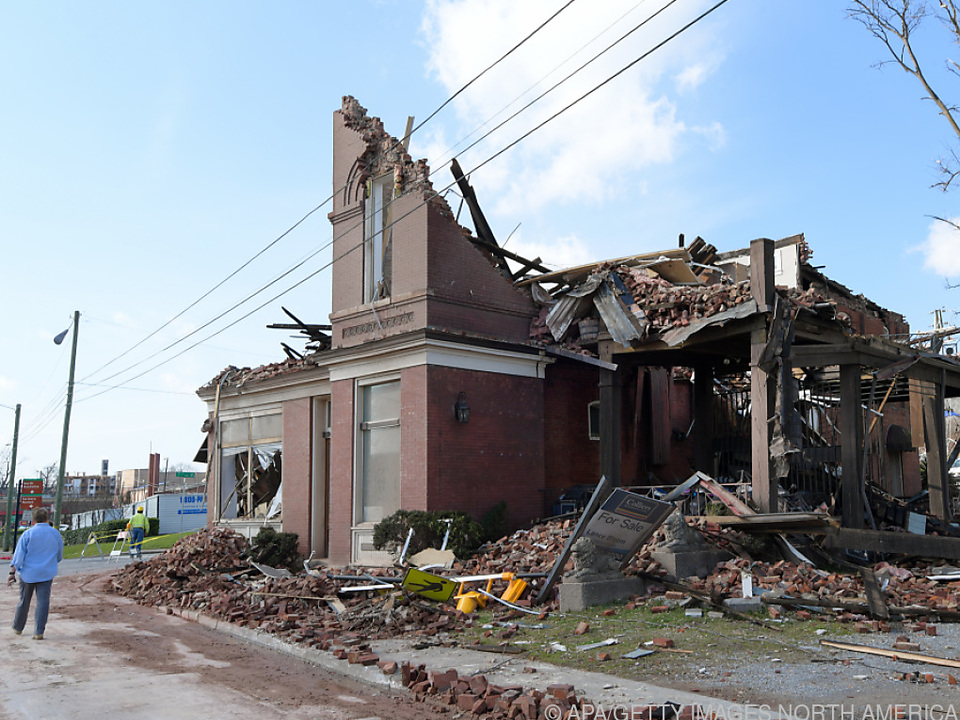 Zahlreiche Gebäude wurden durch die Tornados zerstört