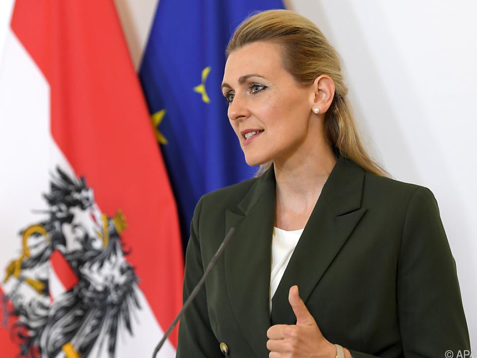 Arbeitsministerin Aschbacher (ÖVP) meldete sich in der Causa zu Wort