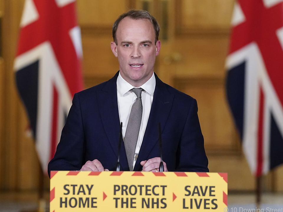 Außenminister Dominic Raab vertritt Premierminister Boris Johnson