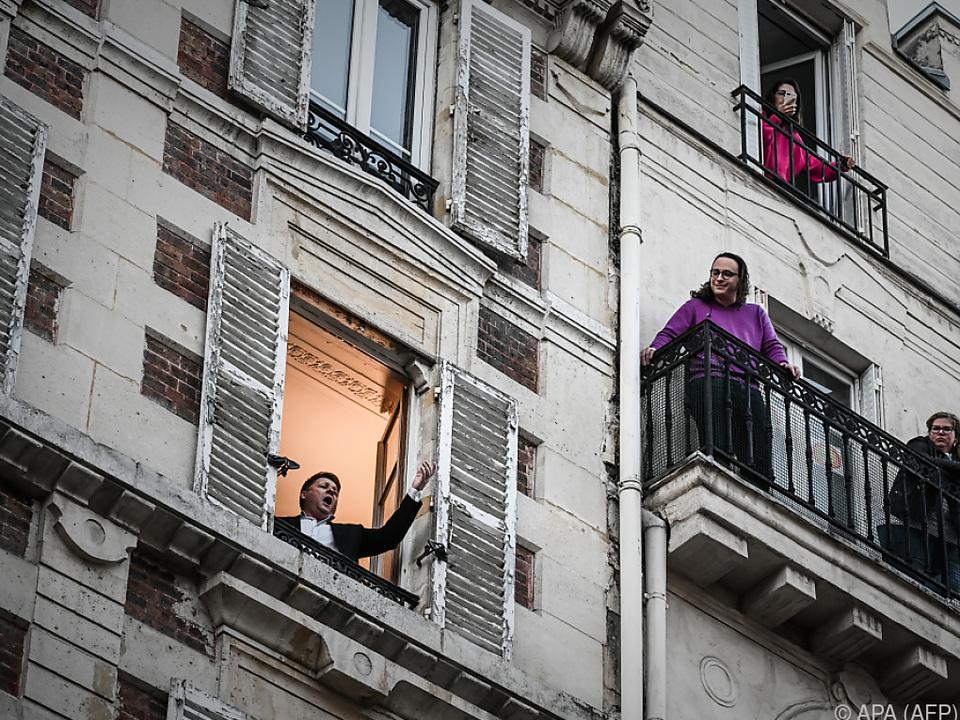 Balkonplätze in der Oper stellt man sich etwas anders vor