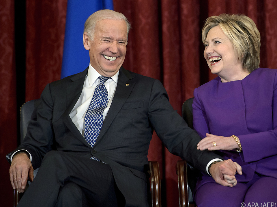 Biden hat nun gebündelte demokratische \