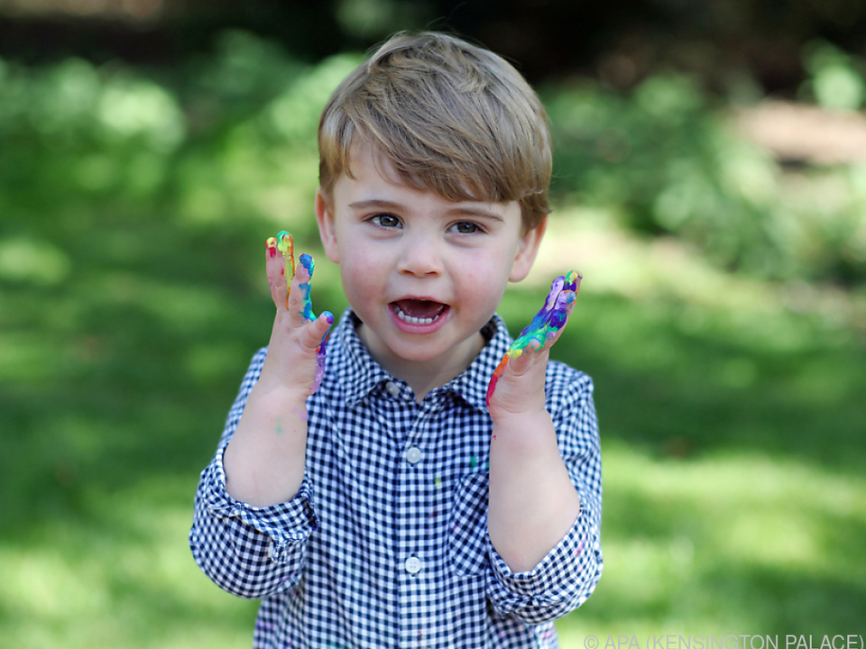 Bunte Fotos zu Louis\' zweitem Geburtstag