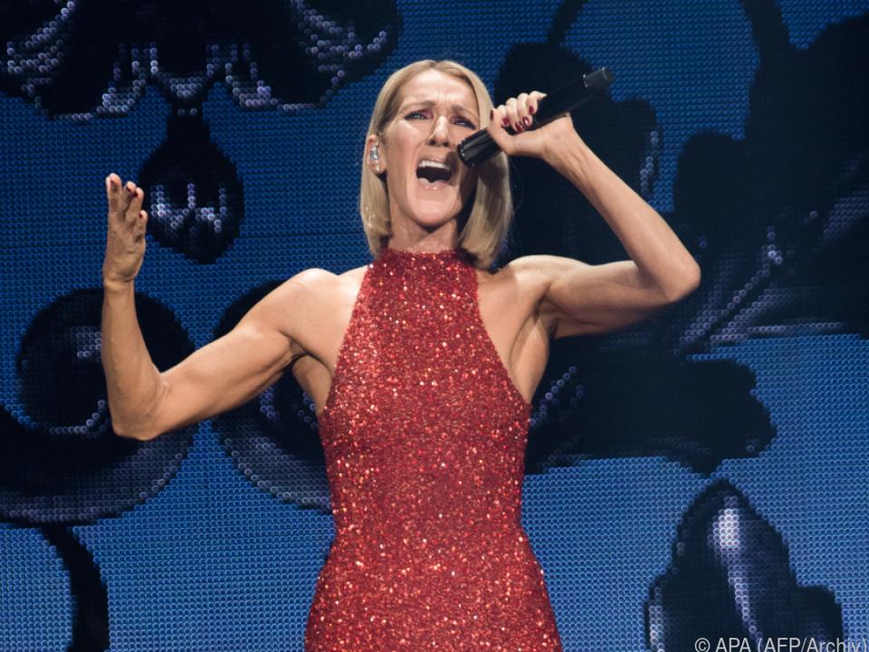 Celine Dion sang in ihrer Küche
