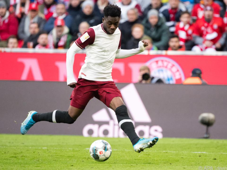 Davies wurde langfristig an die Bayern gebunden
