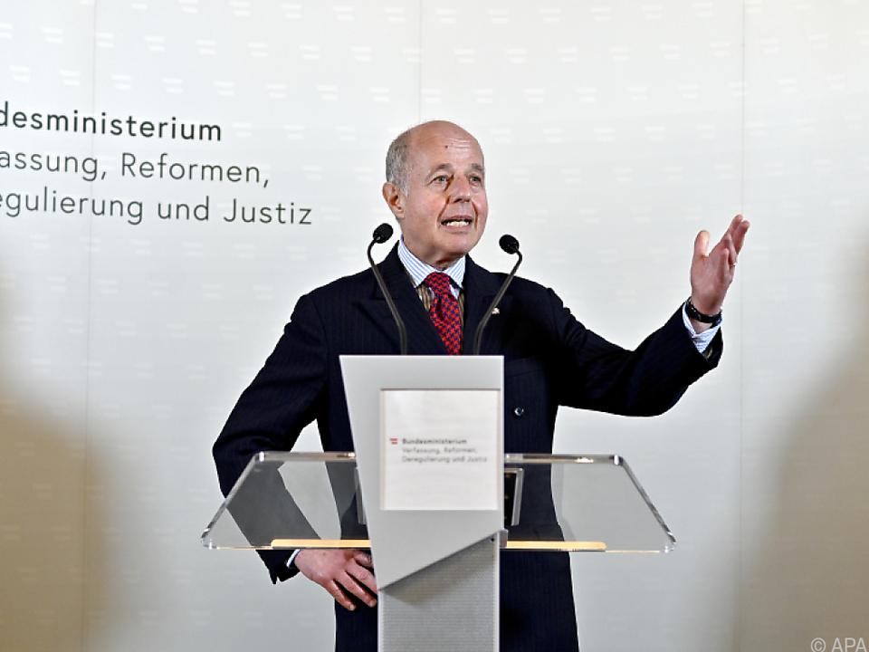 Der ehemalige Justizminister appelliert ans Bundeskanzleramt