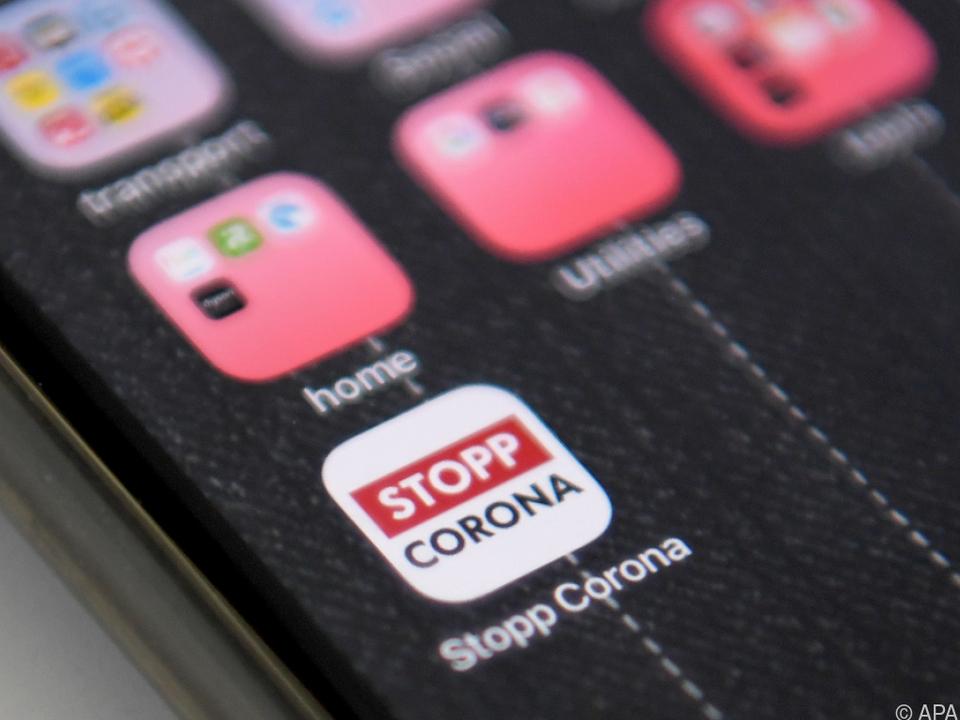 Die App des Roten Kreuzes soll im Kampf gegen die Pandemie helfen