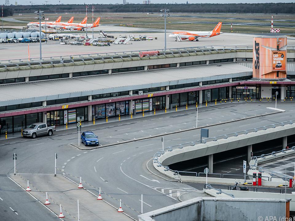 Disput um Schließung des Flughafens in Tegel