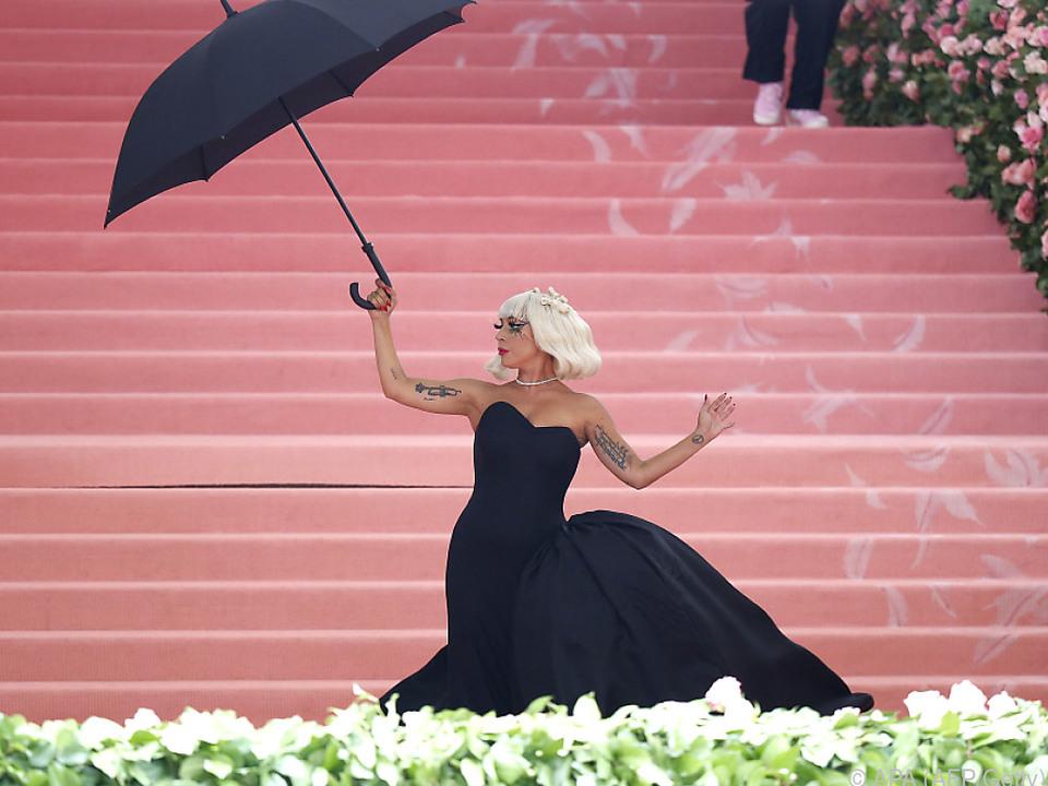 Lady Gaga organisiert das Konzert mit