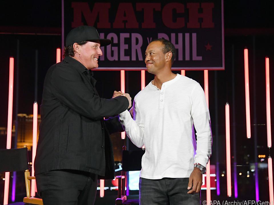 Mickelson und Woods duellieren sich erneut