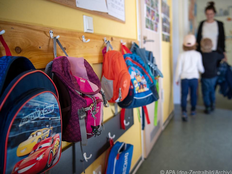 Organisation von kleinen Gruppen in Kindergärten als Herausforderung
