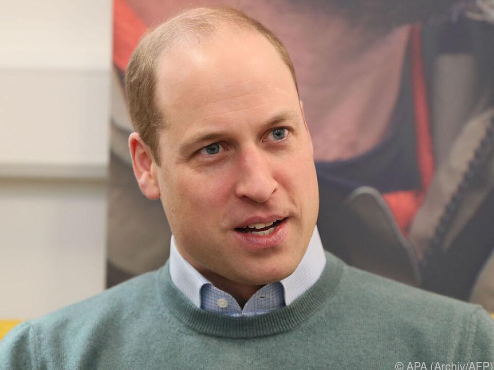 Prinz William ohne Hose bei Videokonferenz