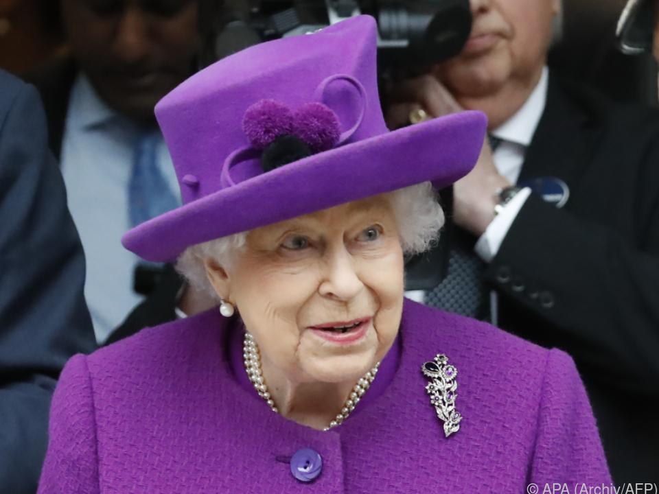 Queen findet Salutschüsse derzeit für nicht angemessen