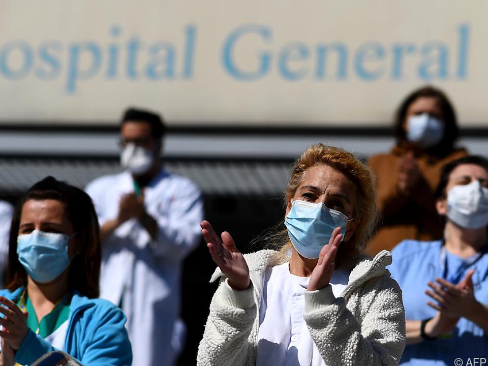 Spaniens Gesundheitspersonal ist gefordert wie noch nie