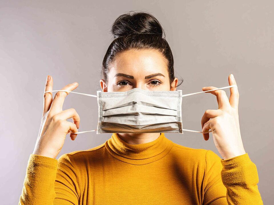 Tag der Arbeit_shutterstock von lvh bekommen schutzmaske hygiene