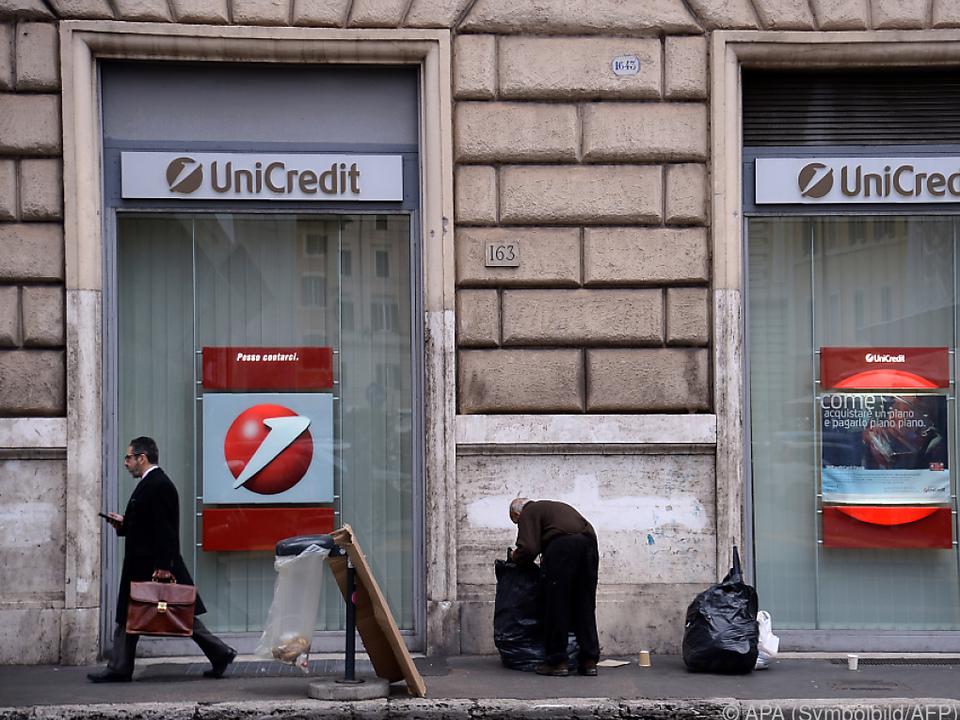 Überdurchschnittlich häufig fällt die Dividende bei Banken weg