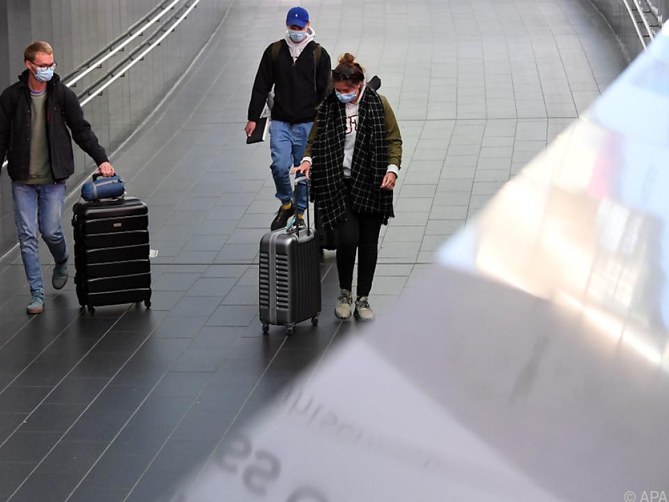 Von 3.500 Österreichern im Ausland wollen nur noch 1.000 zurück