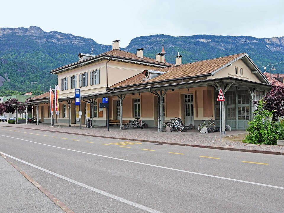 ehemaligen Bahnhof von Eppan in St. Michael Überetscher Bahn