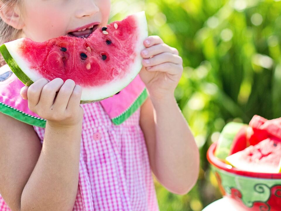 Kind Melone Sommer